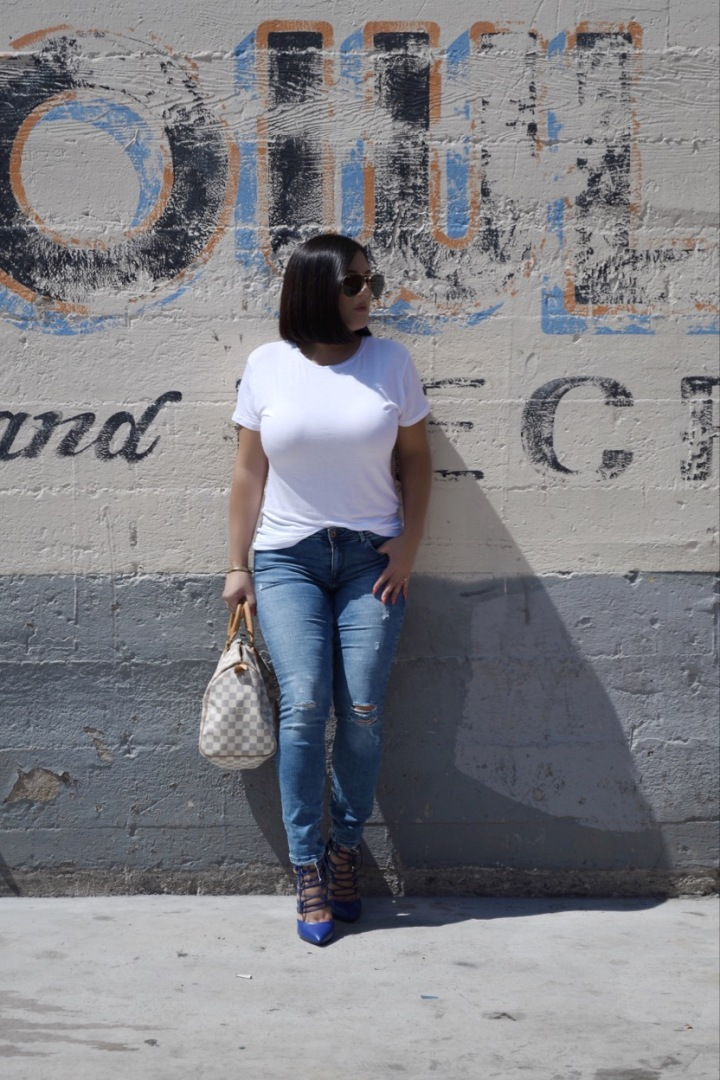 Simple White tee style