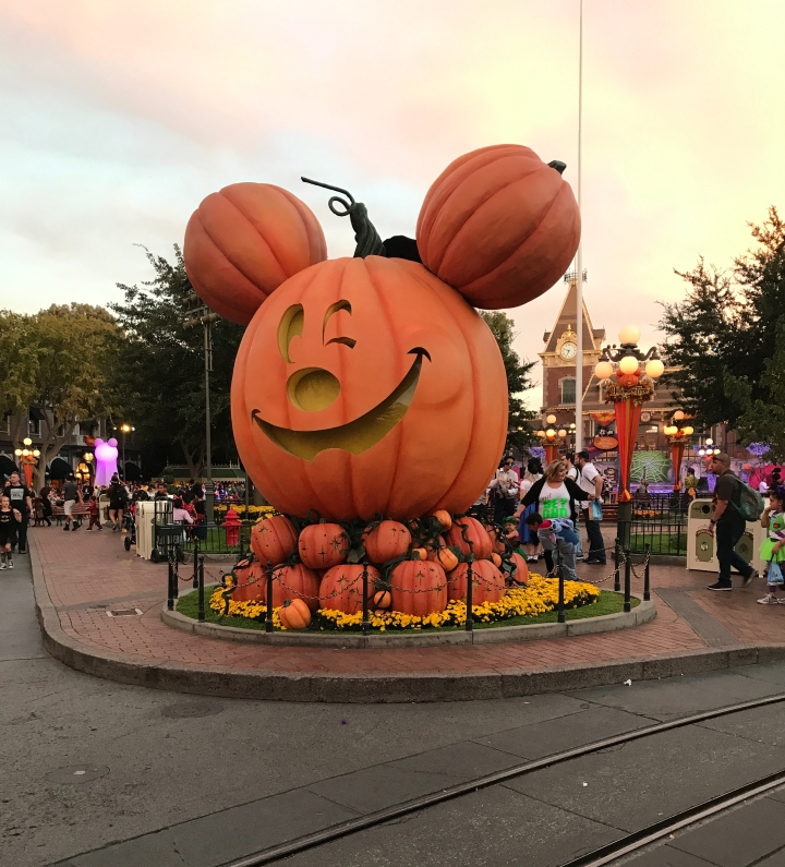 Mickeys Halloween party